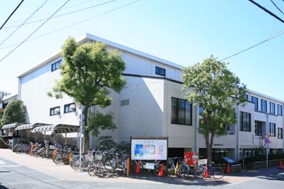 世田谷区立桜丘図書館の画像1