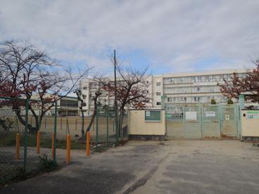 大東市立深野小学校の画像1