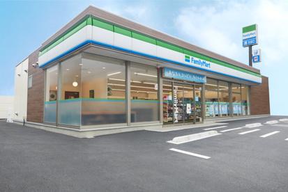 沖縄ファミリーマート宜野湾真栄原二丁目店の画像1