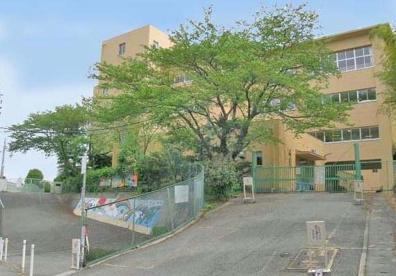 宝塚市立長尾台小学校の画像1