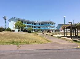 鳥取市立賀露小学校の画像1