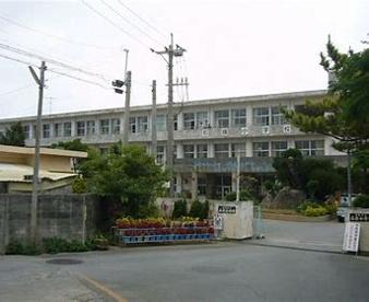 石嶺小学校の画像1