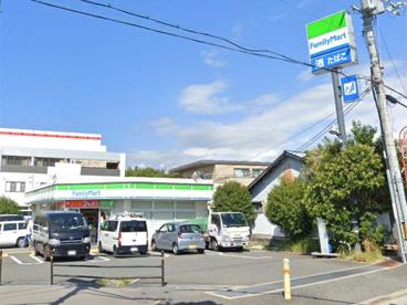 ファミリーマート 箕面西宿店の画像1