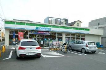 ファミリーマート 関町北二丁目店の画像1