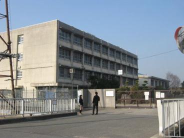 枚方市立渚西中学校の画像1