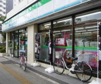 ファミリーマート練馬北町二丁目店の画像1