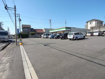 ファミリーマート 東海名和町店の画像1