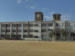 高倉中学校の画像1