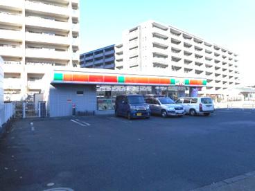 ファミリーマート トモニー東大和市駅店の画像1