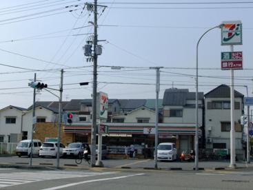 セブンイレブン尼崎額田町の画像1