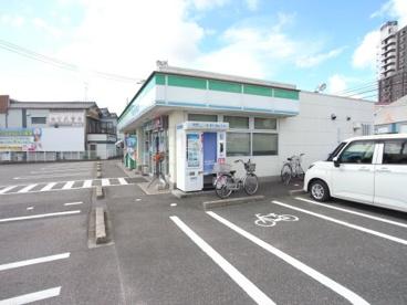 ファミリーマート 東海八幡新田店の画像1