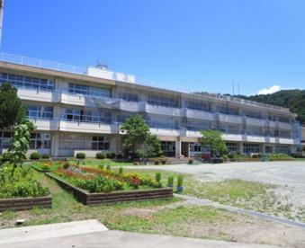 渋川市立津久田小学校の画像1