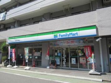 ファミリーマート 横浜神之木町店の画像1