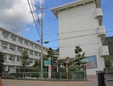 伊豆の国市立韮山中学校の画像1