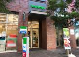 ファミリーマート 横浜万国橋店