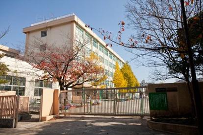 江戸川区立東葛西中学校の画像1