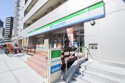 ファミリーマート 新宿戸塚警察署前店の画像1