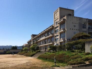 平野中学校の画像2