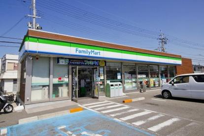 ファミリーマート 和歌山園部店の画像1