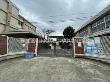 北前野小学校の画像1