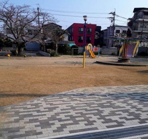 六万寺公園の画像