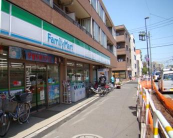 ファミリーマート さんみせ大谷口店の画像1