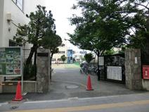 赤土小学校