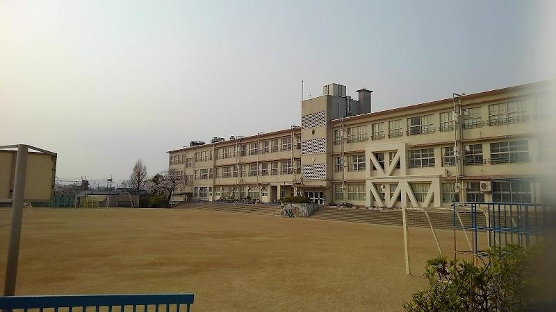 豊中市立 上野小学校の画像