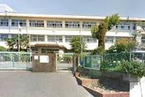 春日西小学校