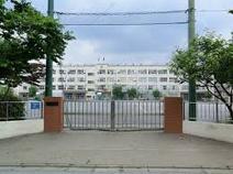 足立区立入谷中学校