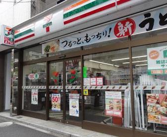 セブンイレブン 港区乃木坂駅南店の画像1