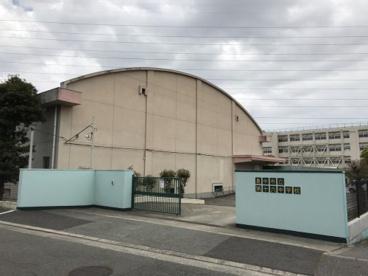 豊中市立第十六中学校の画像1