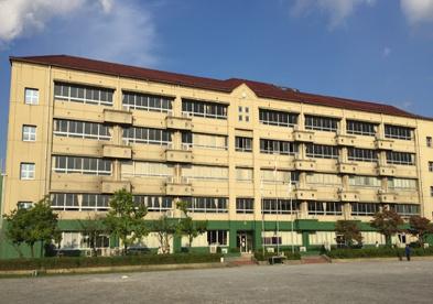 草加市立松江中学校の画像1