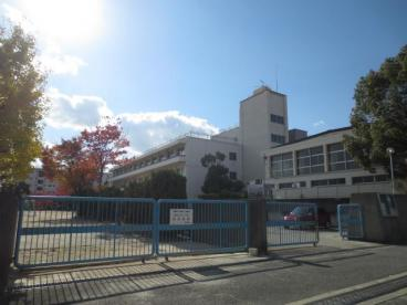 箕面市立豊川南小学校の画像1