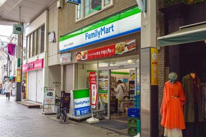 ファミリーマート 高円寺パル商店街店の画像1