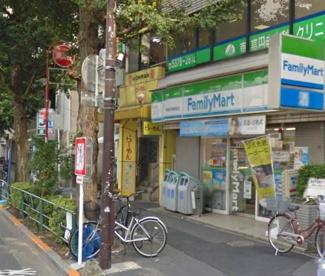 ファミリーマート 東高円寺駅前店の画像1
