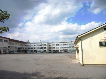 足立区立栗島小学校の画像1