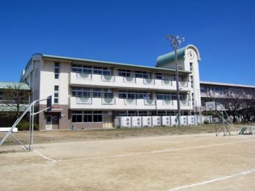 草加市立川柳小学校の画像1
