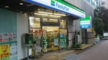 ファミリーマート 新宿十二社店