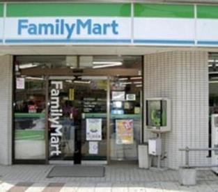 ファミリーマート鷺宮駅前店の画像1