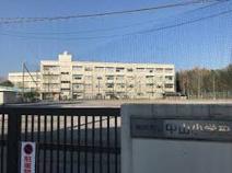 横浜市立中山小学校