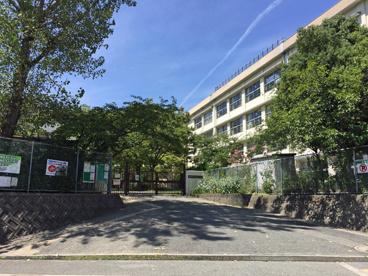 豊中市立泉丘小学校の画像1