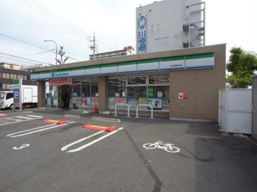 ファミリーマート 名古屋新栄店の画像1