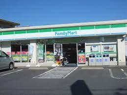 ファミリーマート 西東京新町五丁目店の画像1