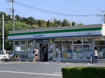 ファミリーマート鶴ヶ島駅西口店の画像1