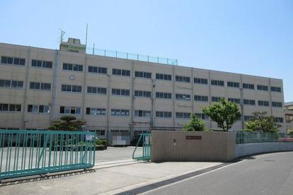 高槻市立冠中学校の画像1