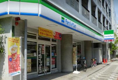ファミリーマート 本庄西三丁目店の画像1