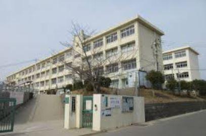 神戸市立鈴蘭台中学校の画像1