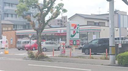セブンイレブン 高知駅北店の画像1