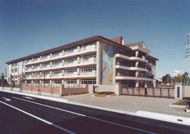 越谷市立出羽小学校の画像1
